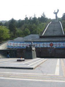 Sowjetisches Sieges-Denkmal, georgisch interpretiert